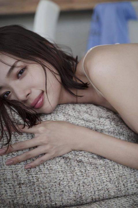 岡田紗佳 画像024