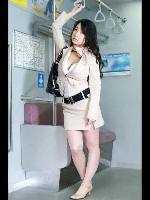 桐山瑠衣 画像001