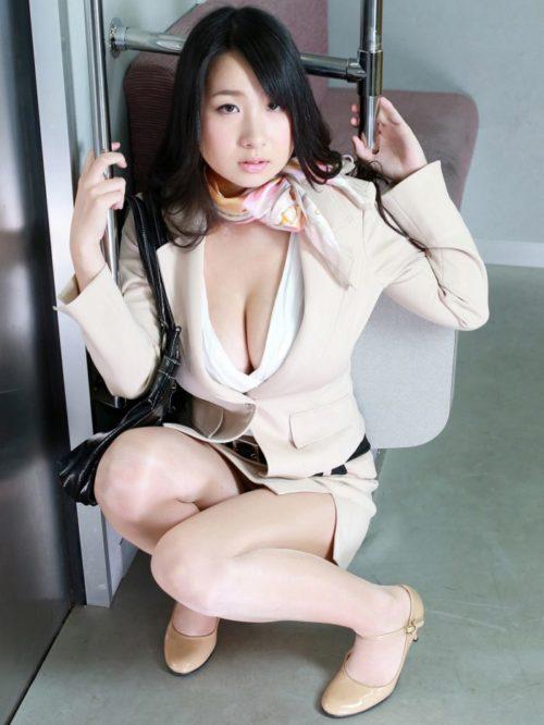 桐山瑠衣 画像004