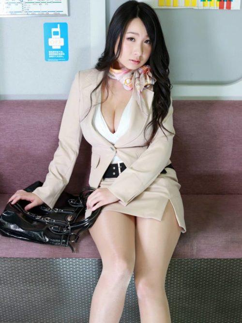 桐山瑠衣 画像008
