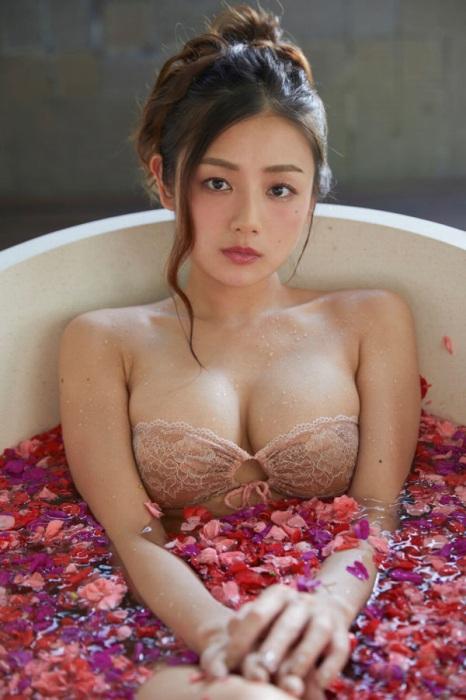 片山萌美 画像019