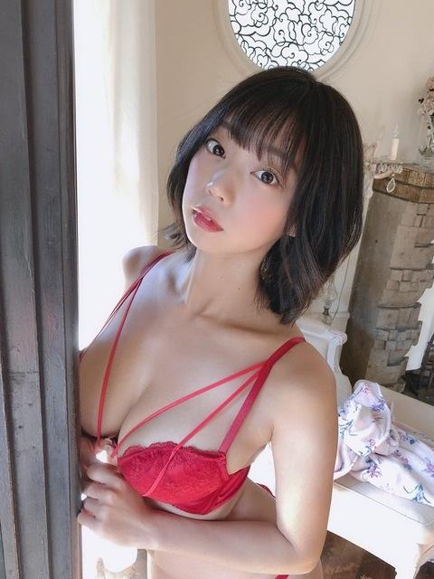 青山ひかる 画像009