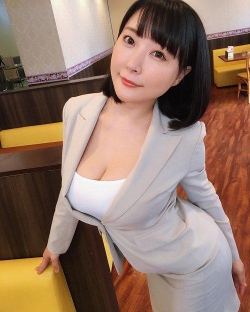 着衣おっぱい 画像011