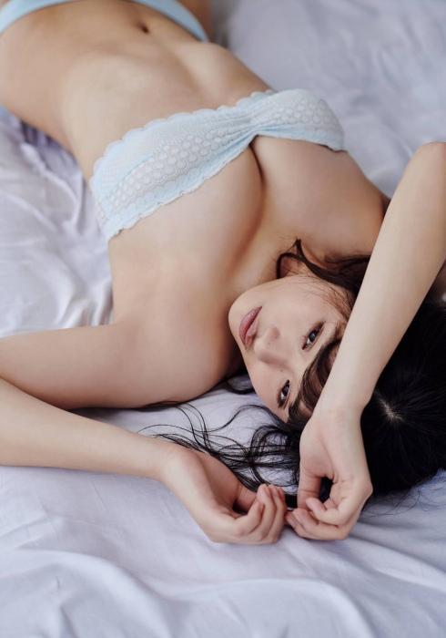 石田桃香 画像017