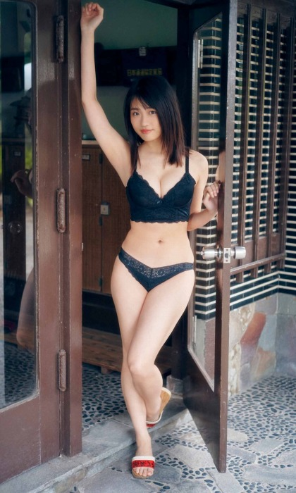 石田桃香 画像019