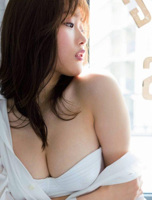 石田桃香 画像005